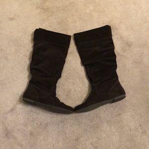Suede dark brown boots
